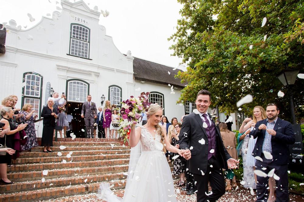 Confetti shot Neethlingshof Wedding