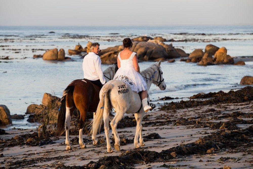 Intimate West Coast Wedding 03
